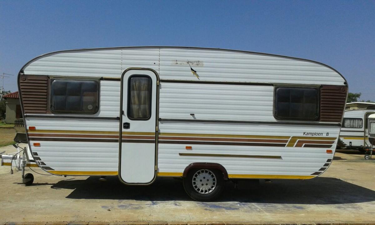 Restoring 1983 Jurgens Kampioen B - Caravan & Outdoor Life