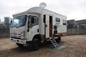 Isuzu NPS 300 Double Cab - Addax
